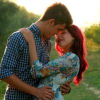 Как понять, что парень хочет тебя поцеловать: изучаем его поведение и «язык» тела