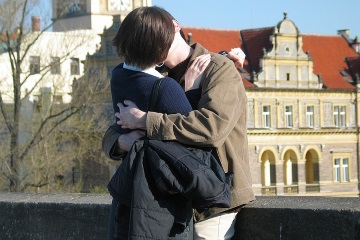 Как избавится от стеснительности во время первого поцелуя