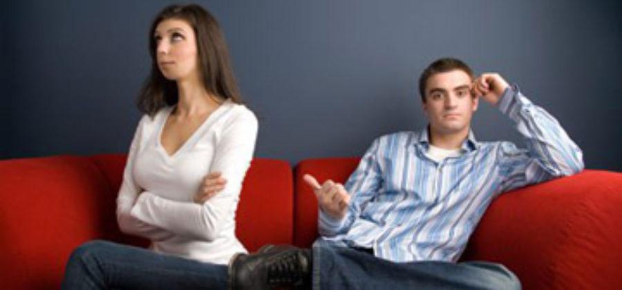 Невербальное общение: как женщине понять по жестам, что от нее хочет мужчина