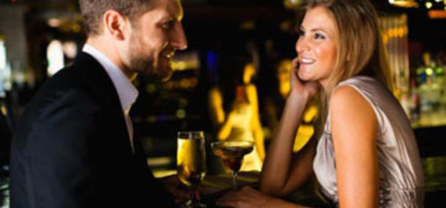 Как с первого взгляда понять, что ты нравишься парню: изучаем мужскую психологию