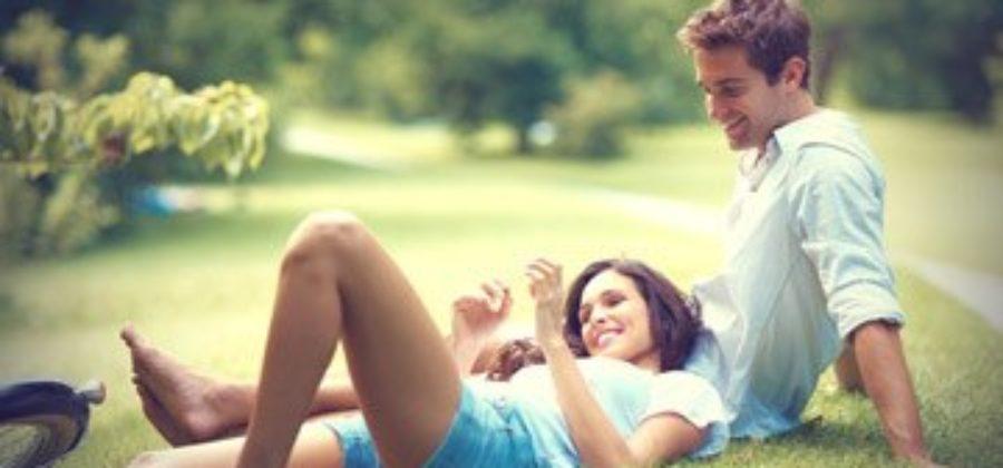 Как понять, что парень ревнует: смотрим на его поведение