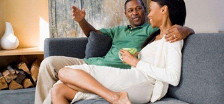 Если парень общается с другими девушками: ответы на самые животрепещущие вопросы
