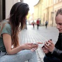 Как познакомиться с парнем на улице: правила женского пикапа