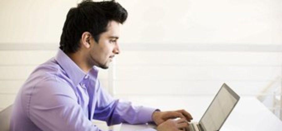 5 основных причин, почему мужчина пишет, но не приглашает на свидание
