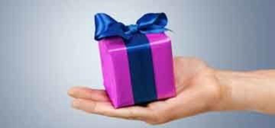 Идеи романтических подарков для парня – от ярких эмоций до банальных мелочей