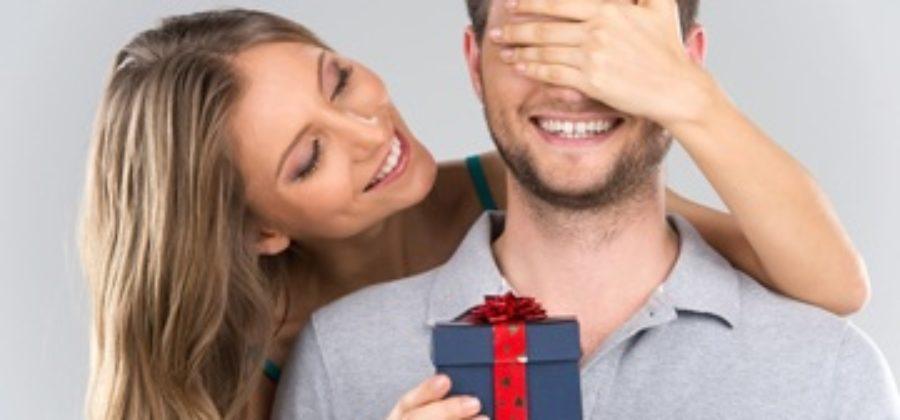 Советы, что подарить мужу на 30 лет: как не испортить день рождения