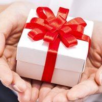 Сложности выбора – что стоит подарить на день рождения мужу на 40 лет