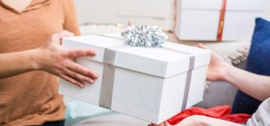 Какой можно сделать недорогой подарок мужчине – варианты на любой праздник и бюджет