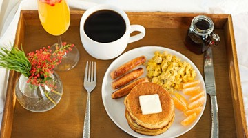 Завтрак в постель мужчине