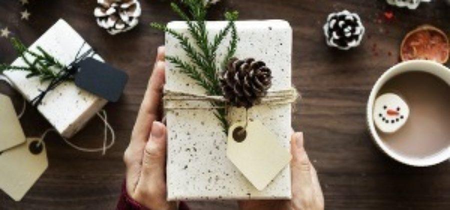 Выбираем подарки для подруг на новый год. Что выбрать: вкусное, полезное или интересное?