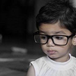 Как распознать начало ухудшения зрения у ребенка?