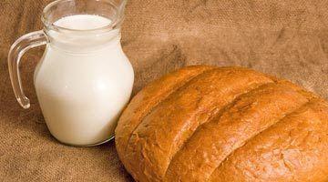 с хлебом и молоком