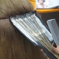 Как выпонять мелирование волос на фольгу: технология и пошаговая инструкция