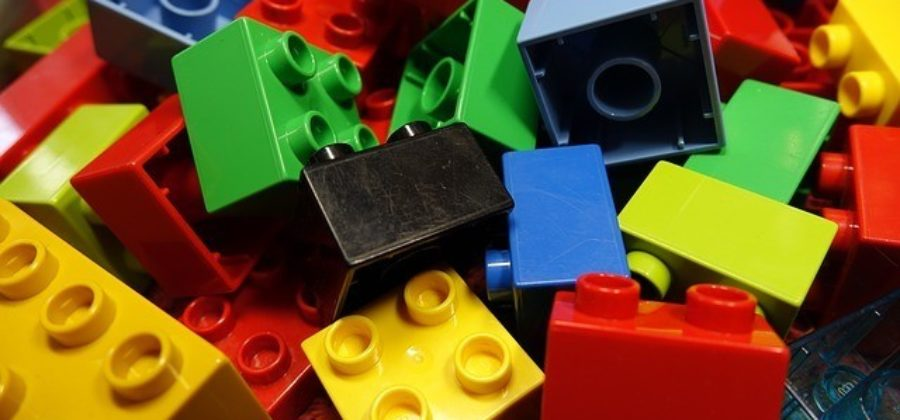 Конструктор LEGO — идеальный инструмент развития ребенка в любом возрасте