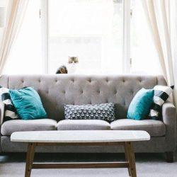 Способы визуального уменьшения размеров дивана для маленькой комнаты