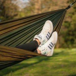 Женские кроссовки: критерии выбора