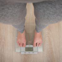 Почему вес стоит на месте